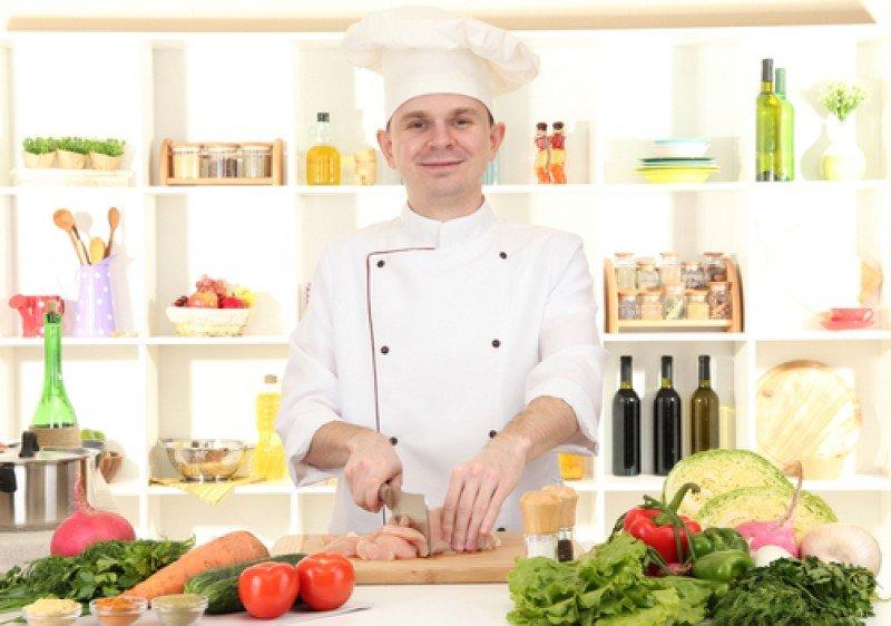 Los puestos que se demandan corresponden a managers, chefs, cocineros, ayudantes de cocina y jefes de partida. #shu#