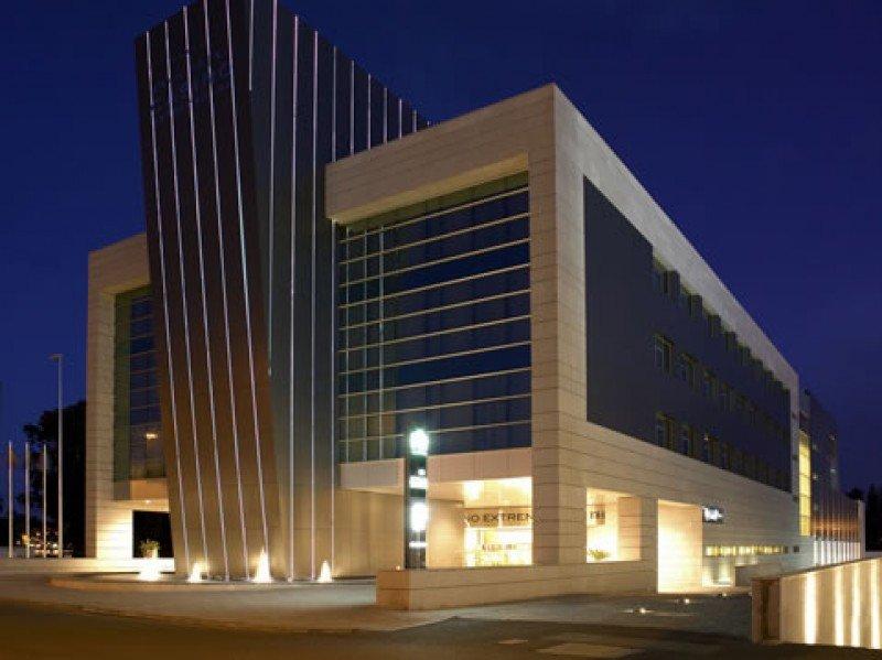 NH Hoteles pierde 39 M en el primer trimestre