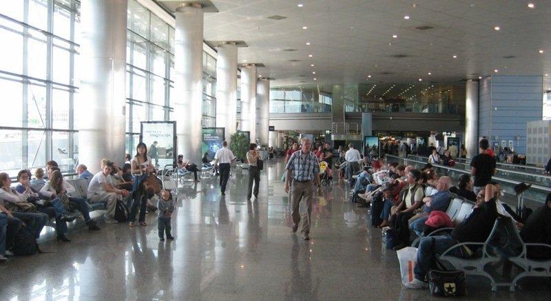 Los españoles aumentan más de un 15% sus viajes en marzo por la Semana Santa.