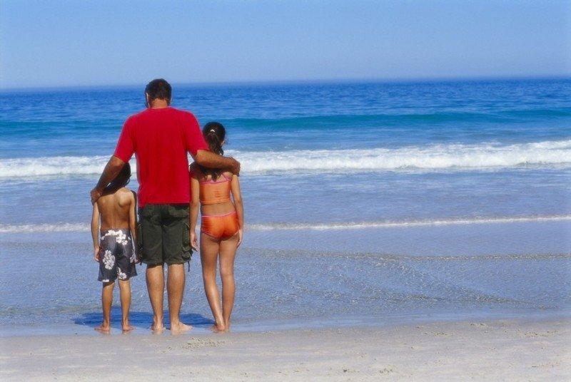 La playa es la opción preferida para la mitad de los españoles.