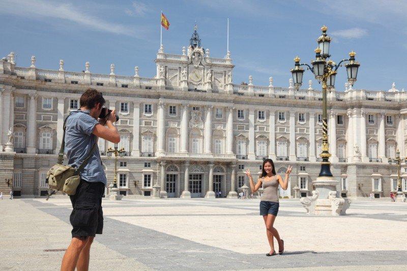 Aumentan las llegadas de franceses y estadounidenses a la Comunidad de Madrid más de un 50%. #shu#