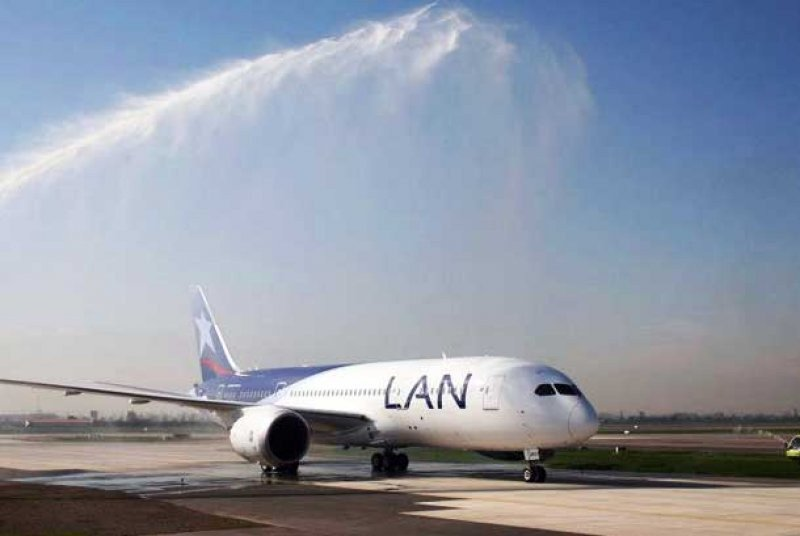 La flota de 787 de todas las compañías sigue en tierra