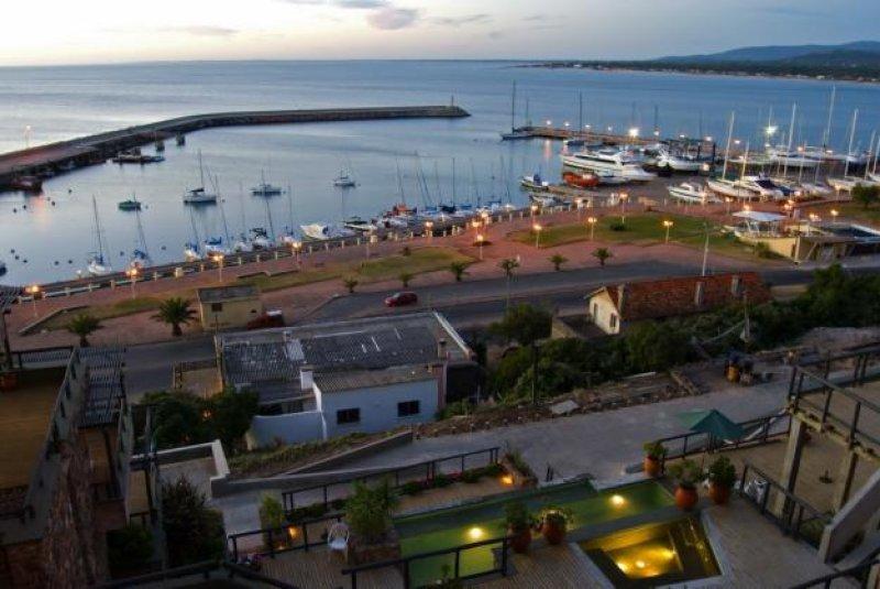 El puerto deportivo y turístico de Piriápolis precisa más espacio para el amarre de veleros y yates, además de proponerse recibir cruceros de 80 metros