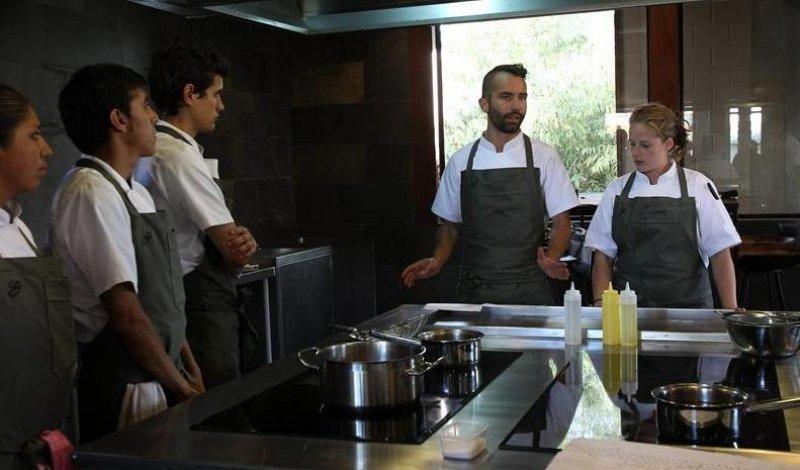 En el restaurante trabajan chefs bolivianos formados en la escuela de Claus Meyer.