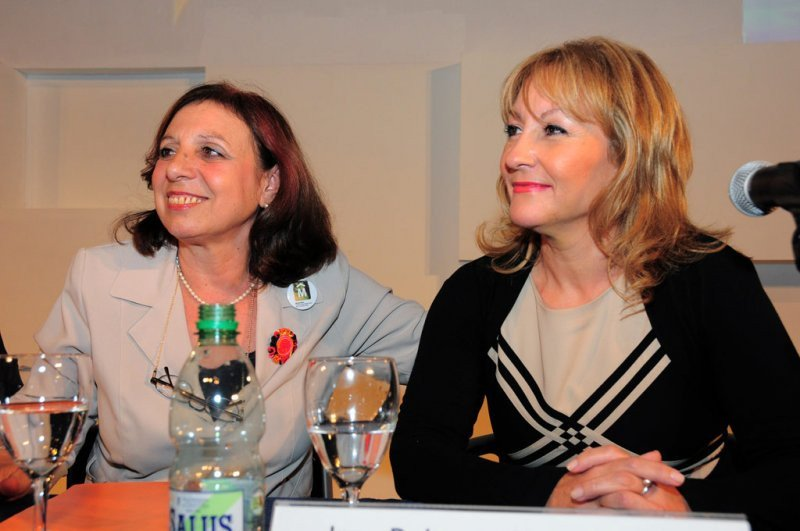 Intendenta de Montevideo, Ana Olivera, y la presidenta de Antel, Carolina Cosse