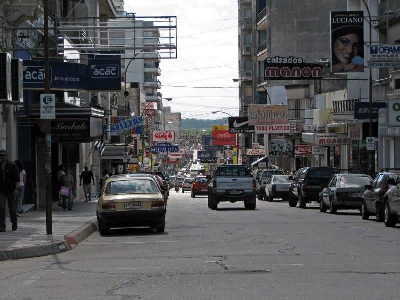 Comercios de Paysandú y Salto son los más afectados por los bajos precios en Argentina