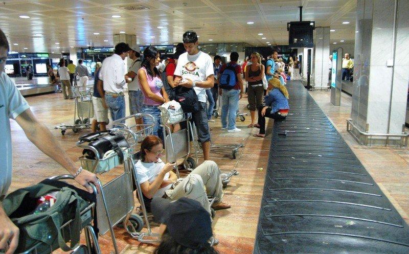 La transferencia de un avión a otro supone la mayor causa de retrasos en los vuelos