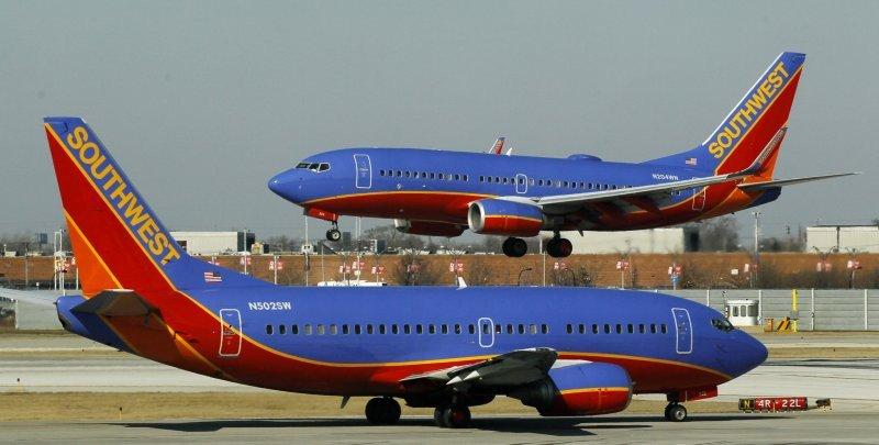 Hay tres vuelos diarios entre San Juan y Orlando.