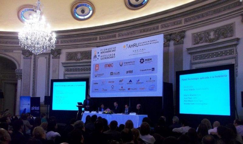 Panel de tecnología aplicada al marketing y el revenue management