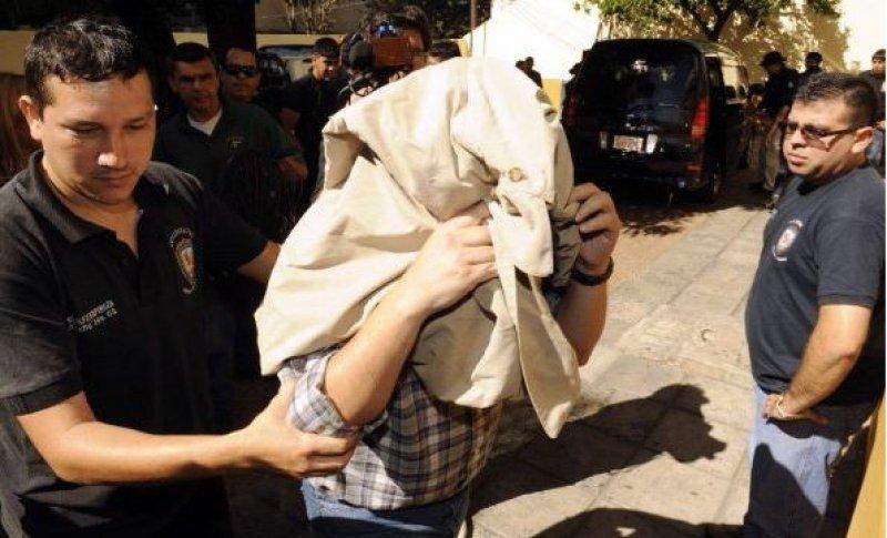 Fueron detenidas siete personas, entre ellos el propietario de las agencias (Foto: ABC Color).