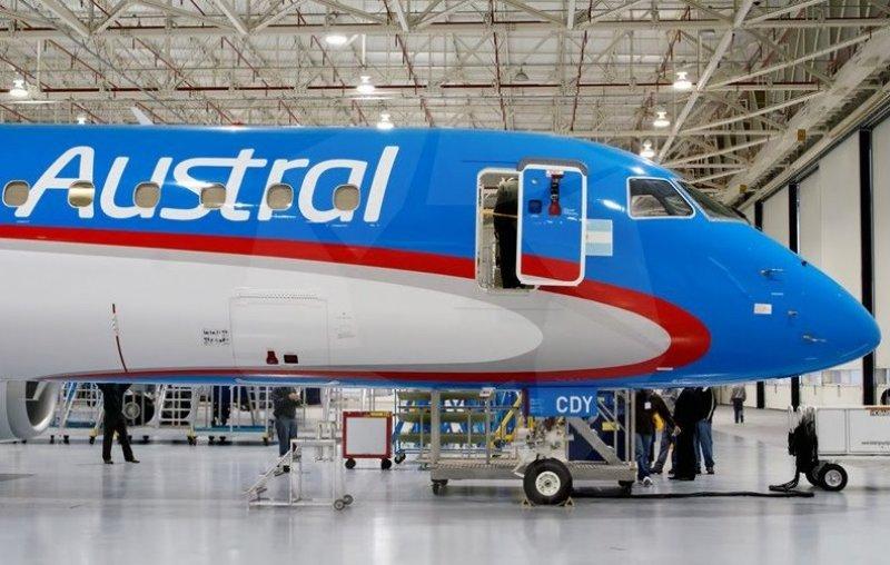Las acusaciones se remontan al 2009, cuando se compraron 20 aviones E-190.