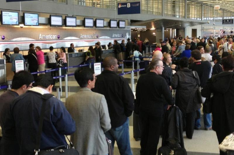 Medidas presupuestales afectan a unos 6.700 vuelos por día, aseguraron las aerolíneas