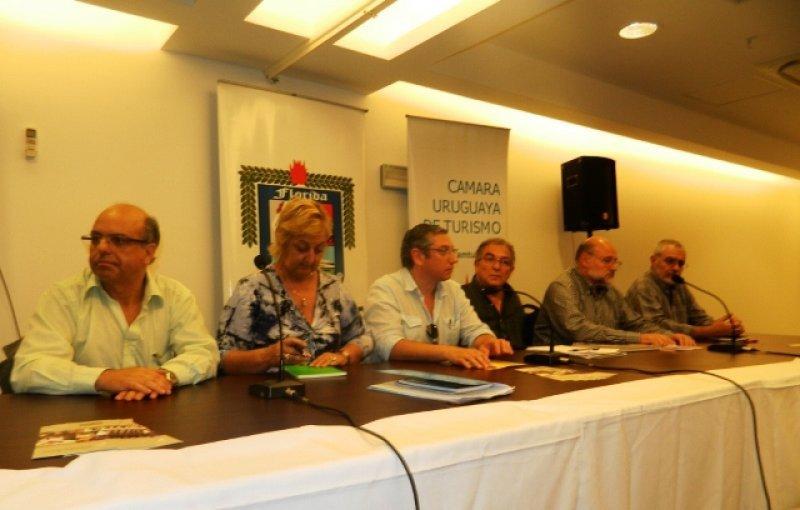 Autoridades en la reunión abierta de la CAMTUR en Florida