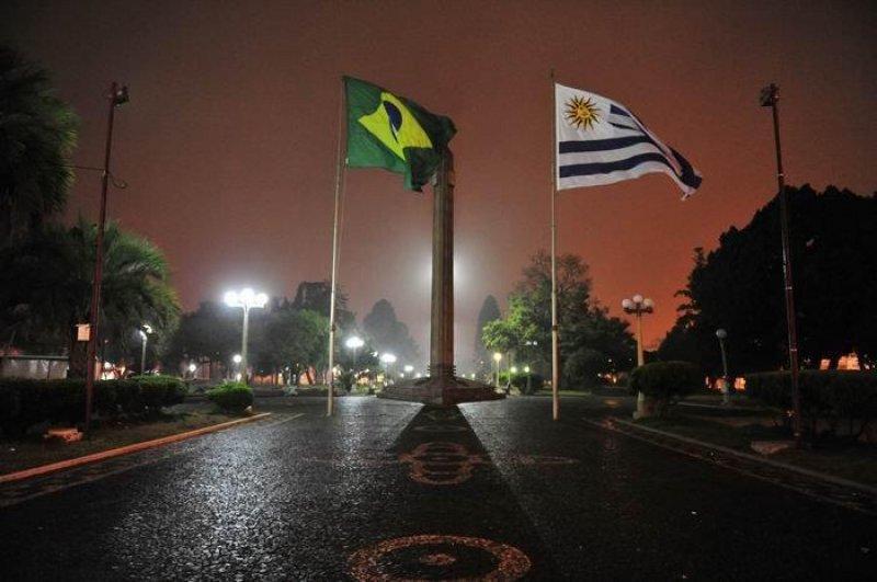 Frontera entre Uruguay y Brasil en las ciudades de Rivera y Santana do Livramento
