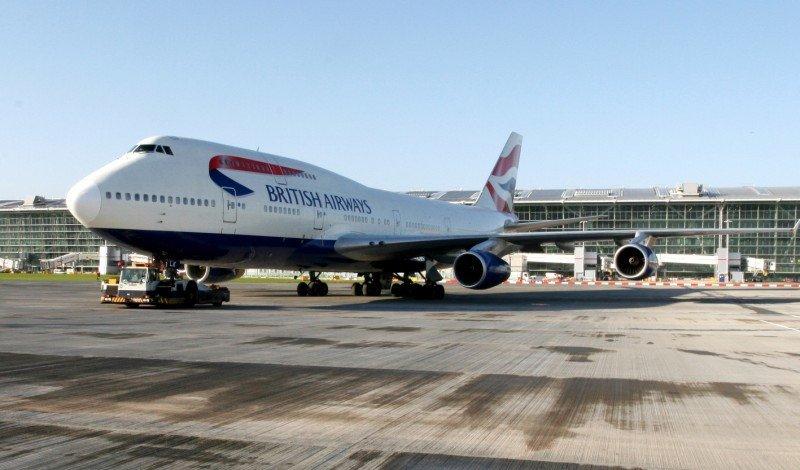 Nueva política de tasas en aeropuertos de Londres favorece a los usuarios