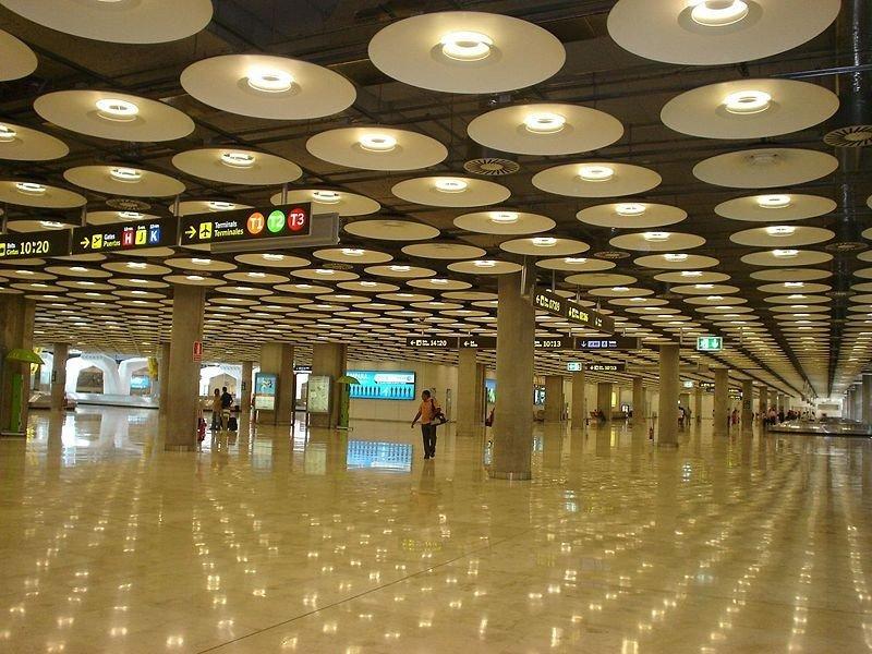 Madrid-Barajas, el aeropuerto europeo con mayor caída de tráfico de pasajeros