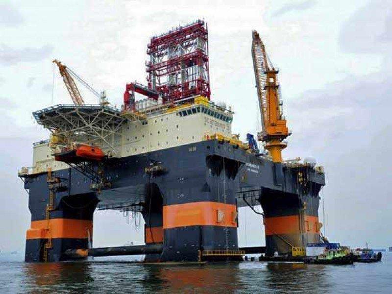 Un flotel instalado en una plataforma petrolífera.