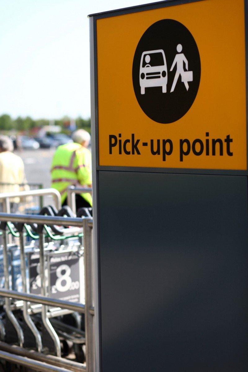 Según los taxistas, este tipo de servicio sólo podría transportar a personal de la empresa o visitantes como técnicos o comerciales. #shu#