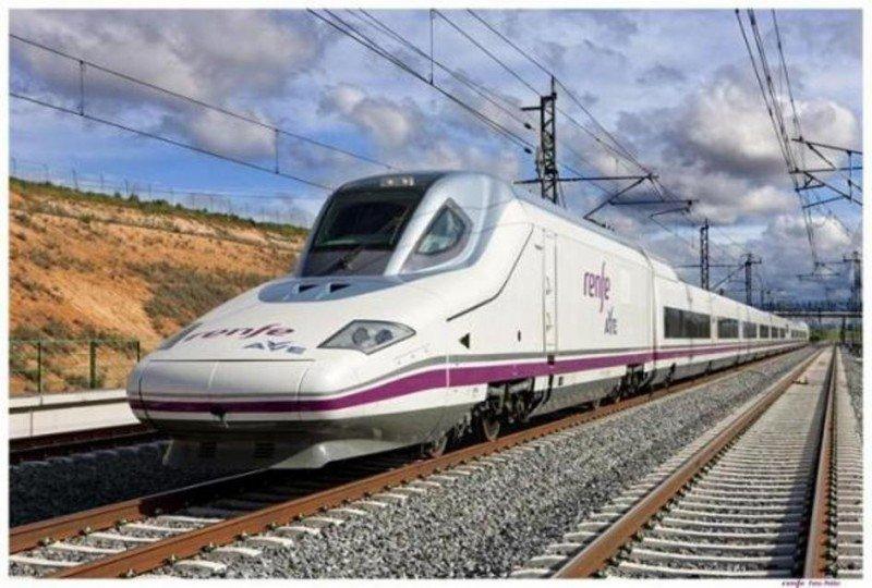 El AVE Madrid-Barcelona costó 14,4 M € por kilómetro con un sobreprecio de un 31,4%