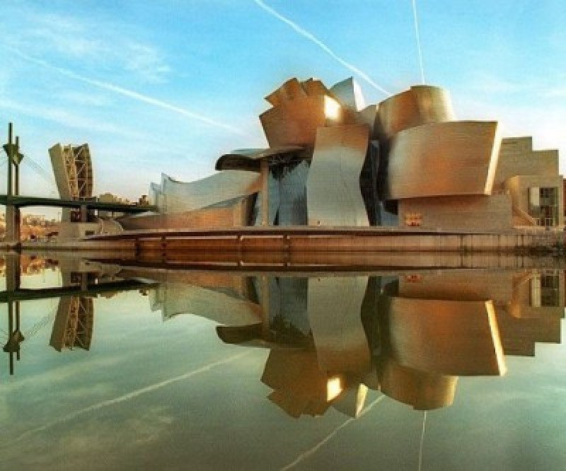 El turismo emplea a casi 93.000 personas en Euskadi.