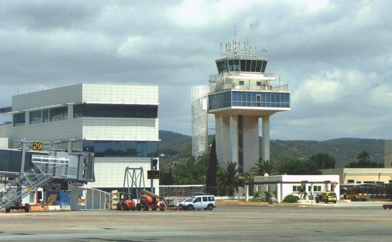 Ibiza se convierte en 'aeropuerto silencioso'
