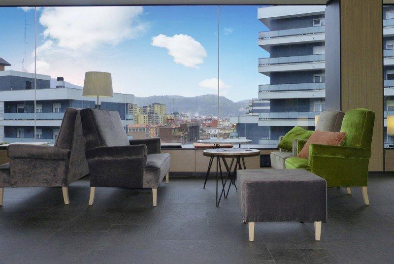 """La reforma ha buscado, según su directora, María Val, """"convertir nuestro hotel en un balcón abierto a la ciudad'."""