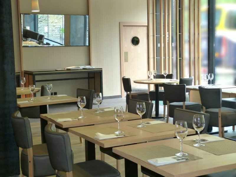 Uno de los espacios del restaurante Sarasate.