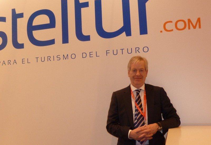 Ian Doubtfire, director ejecutivo de la aerolínea británica Jet2.com, hizo el anuncio en Lanzarote.