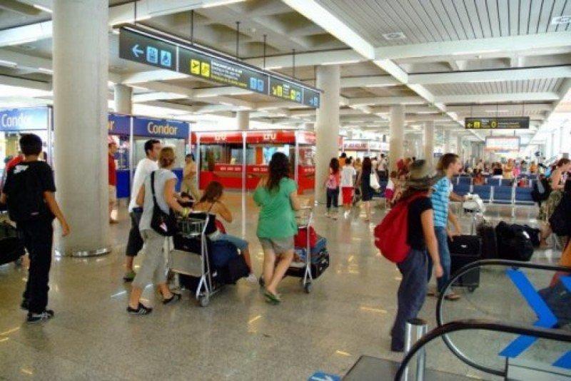 Los españoles gastaron 210 millones en cancelaciones de viajes el verano pasado