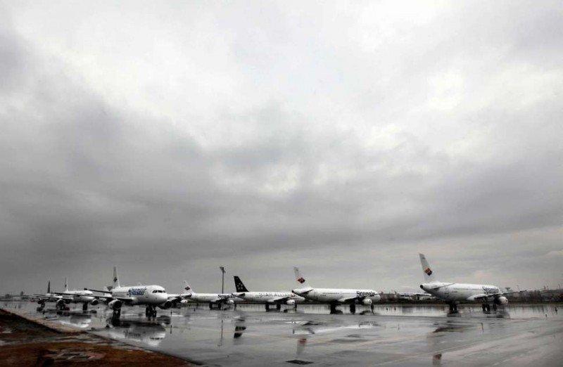 Flota de Spanair aparcada en el Aeropuerto de Barcelona-El Prat el dái que anunciaron el cierre.