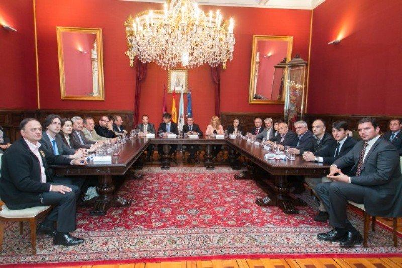 Ayuntamientos de Santiago crean un grupo de trabajo para  potenciar el turismo.