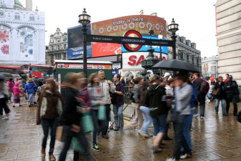 Tiempo lluvioso en el centro de Londres. #shu#