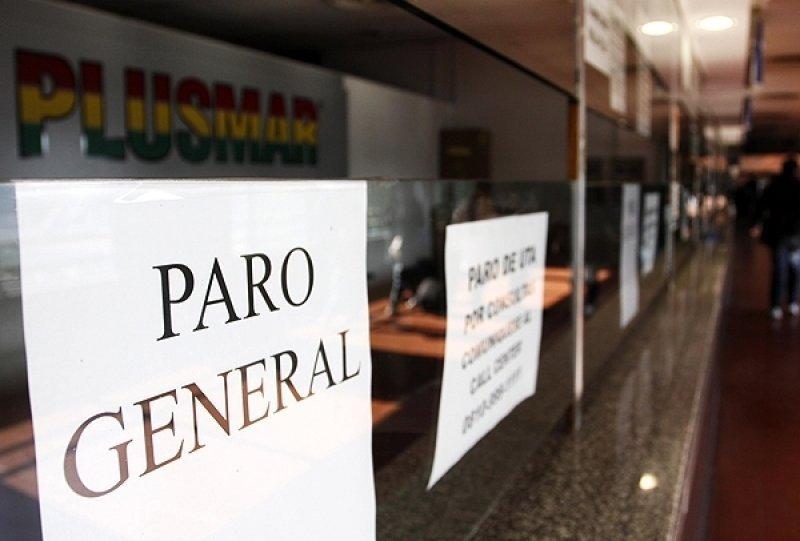 Más de 22 mil choferes de Argentina se suman a la medida de fuerza.