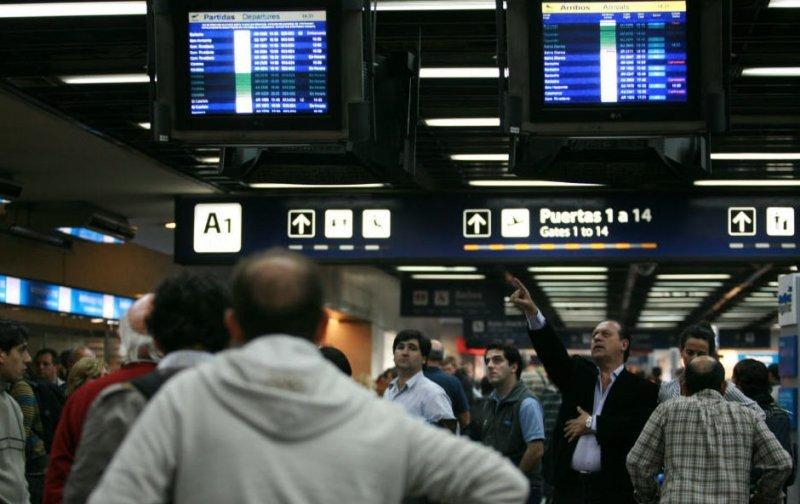 Argentina: demoras y cancelaciones de vuelos por paro de trabajadores estatales