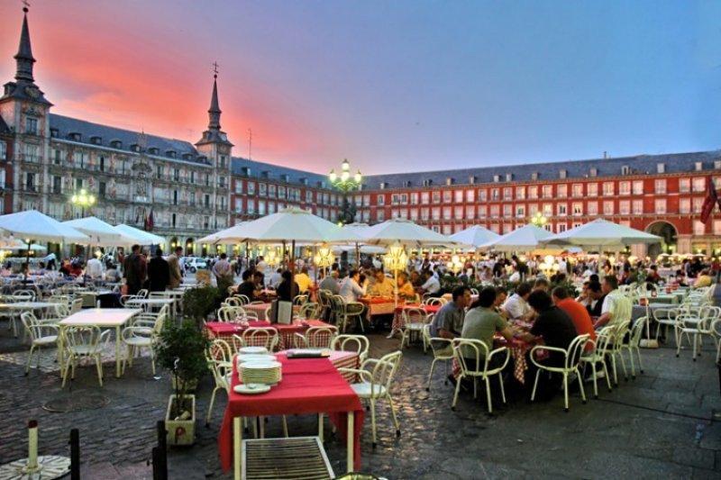 España quiere aprovechar bonanza latinoamericana para aumentar sus cifras de visitantes de la región