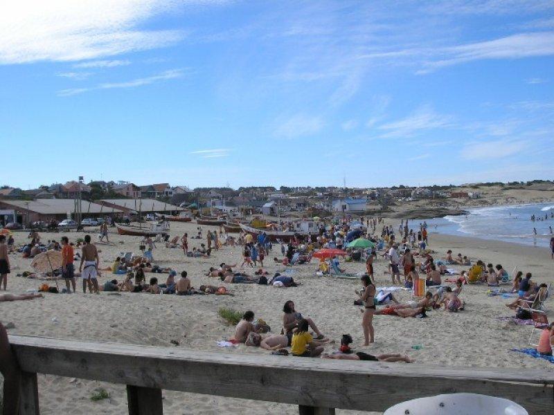 La costa de Rocha se ha mantenido más estable que otros destinos en las últimas tres temporadas