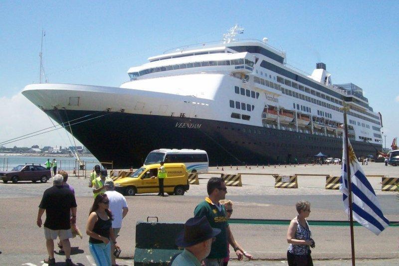 Durante la temporada llegaron unos 400 mil visitantes entre turistas y tripulantes.