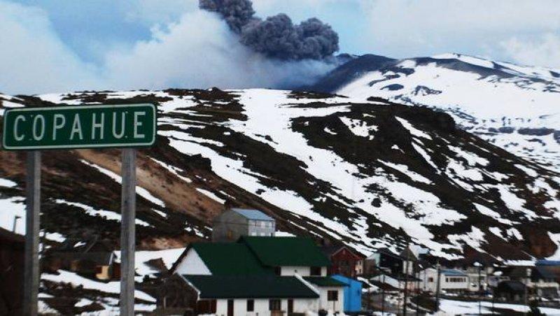 Alerta roja por volcán Copahue en Chile y Neuquén: ordenan evacuación