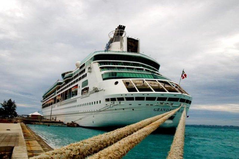 Investigan las causas del siniestro en la popa del Grandeur of The Seas