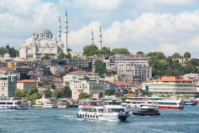 Llegada de ferrys en Estambul. #shu#