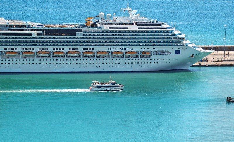 El Puerto de Barcelona registra un 23% más de cruceristas hasta abril