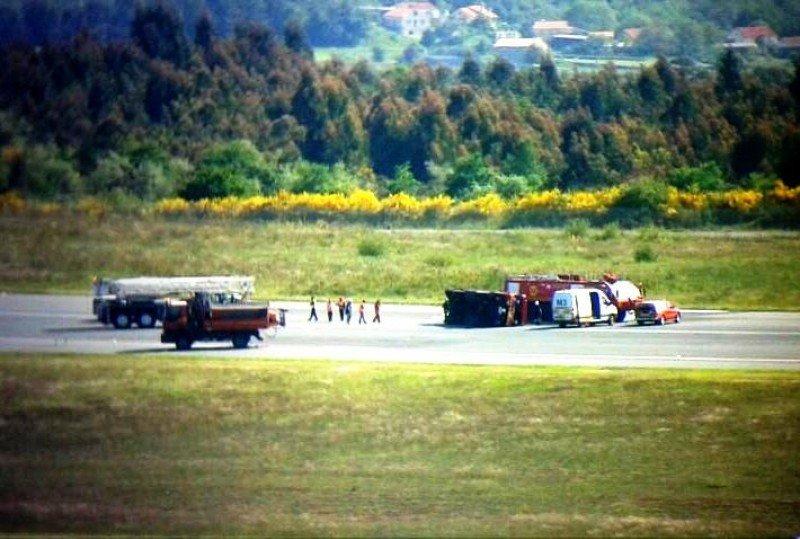 Cerrado temporalmente el Aeropuerto de Santiago de Compostela (imagen tuiteada por @controladores).