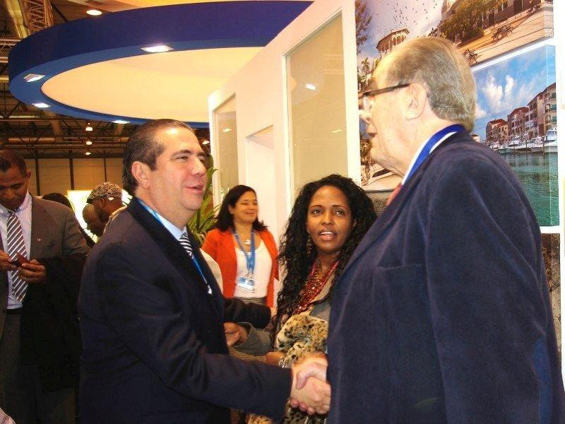 El presidente Comite Euroal Luis Callejón con el Ministro de Turismo de Republica Dominicana, Francisco Javier García.