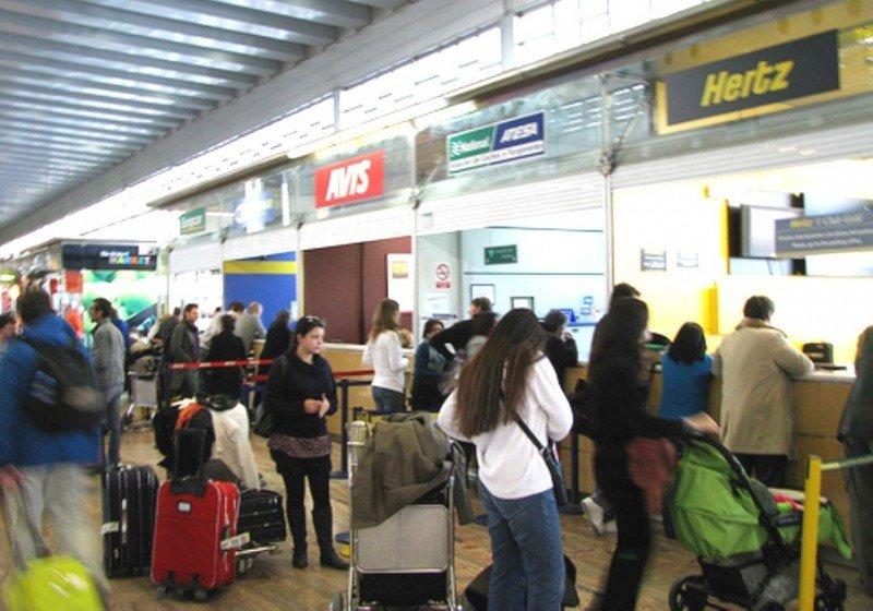 El sector del rent a car, aliviado con el aplazamiento del impuesto verde en Baleares