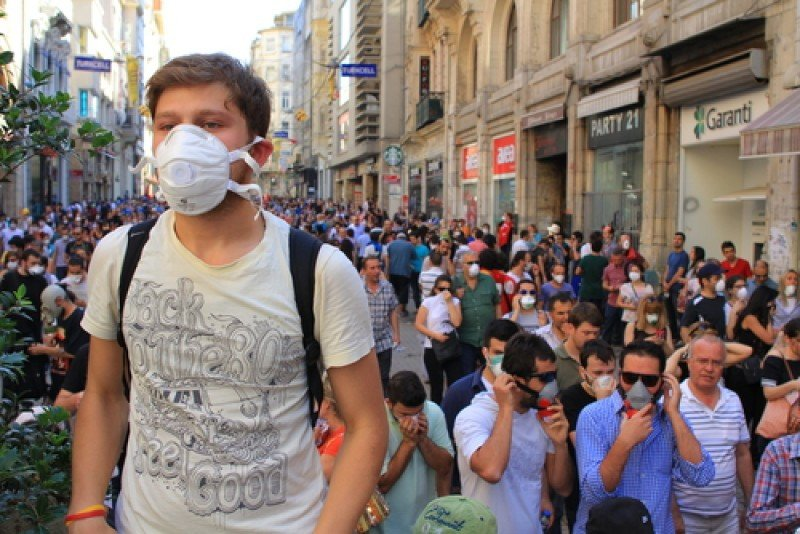 Manifestantes en Estambul. Las protestas comenzaron la semana pasada. #shu#