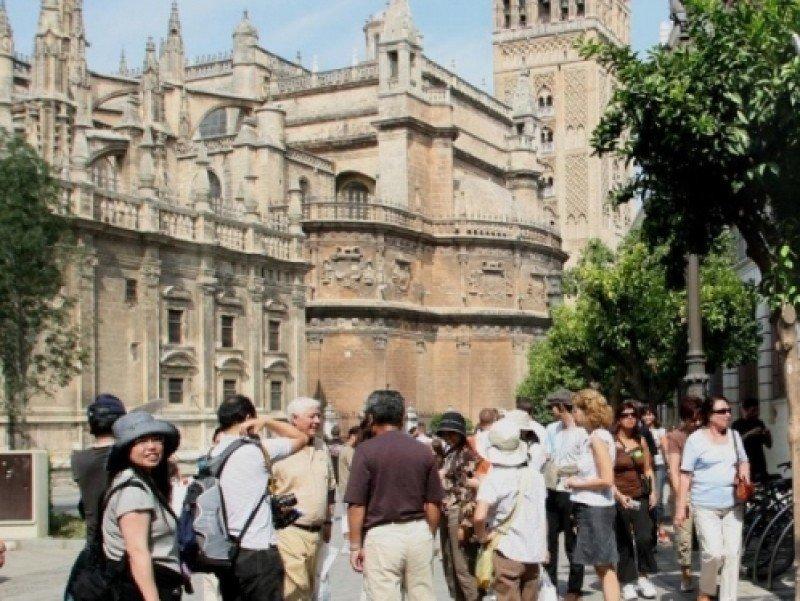 España recibió el pasado año sólo a 150.000 turistas chinos, frente a 1,3 millones que visitaron Francia.