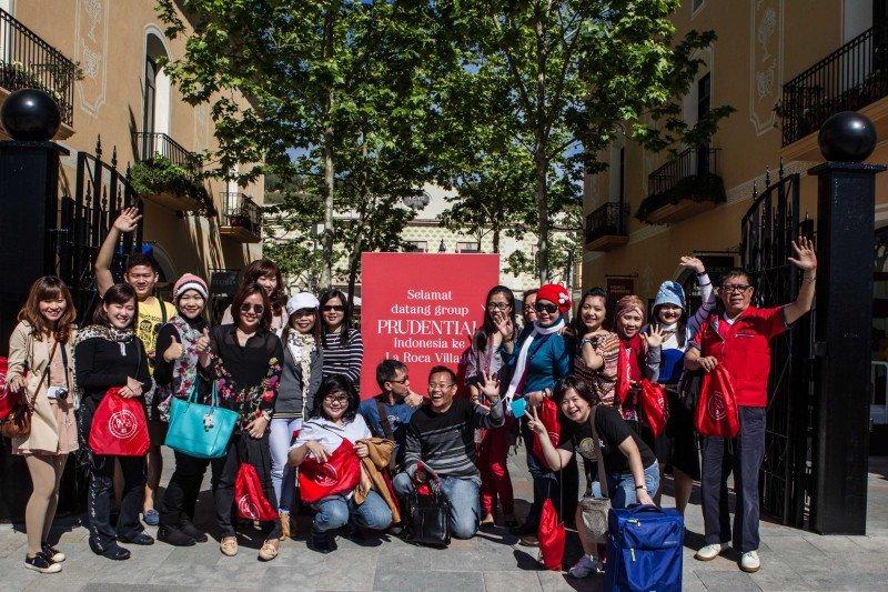 Las Rozas Village y La Roca Village reciben la visita de grandes grupos en viajes de incentivos de Brasil e Indonesia
