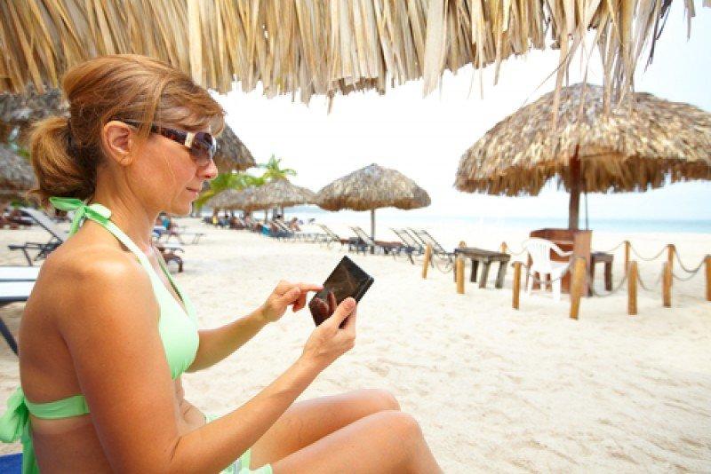 El 93% de los turistas españoles se conectará a internet en verano gracias sobre todo a los smartphones y tablets. #shu#