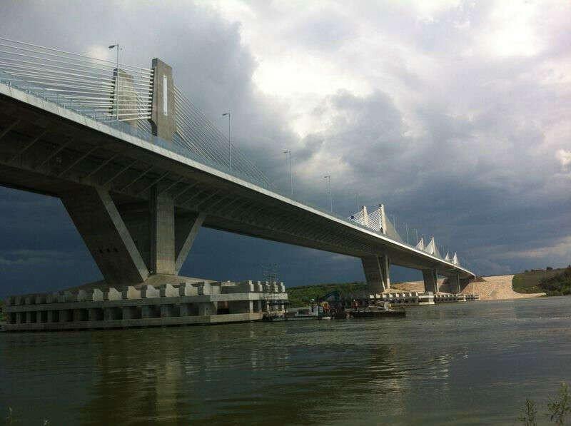Abren al tráfico el nuevo puente sobre el Danubio entre Bulgaria y Rumanía