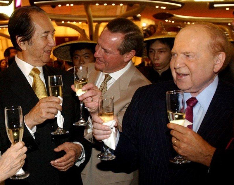 Stanley Ho y Sheldon Adelson, la batalla por el juego mundial llega a España. ANAT GIVON (AP)